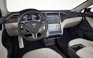 2012-Tesla-Model-S-interior